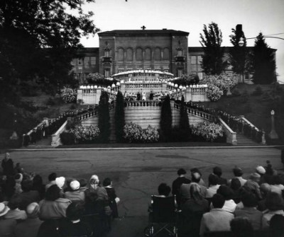 eou_grandstaircase_evensong1952