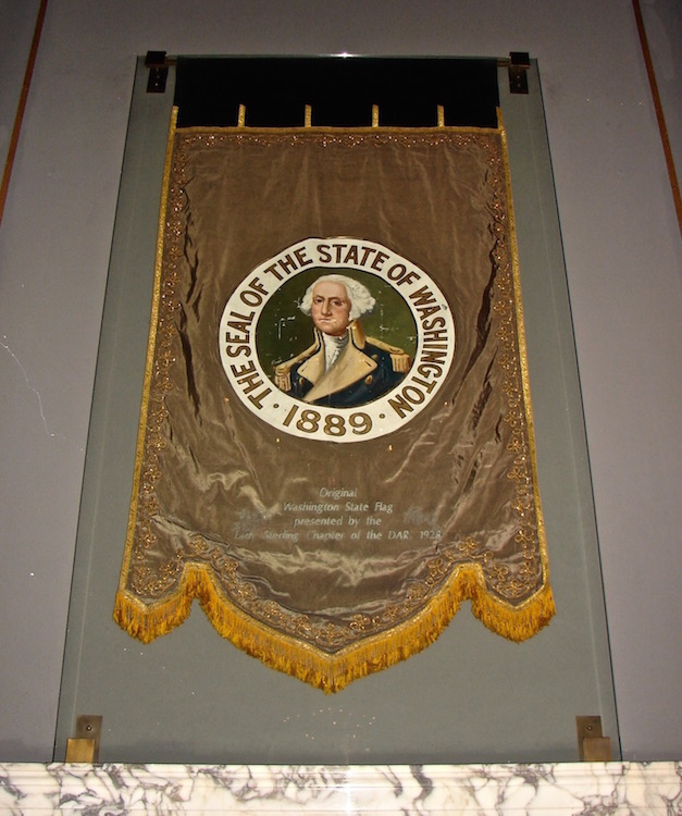 W15 5 7 WA DES 1ST FLAG 001